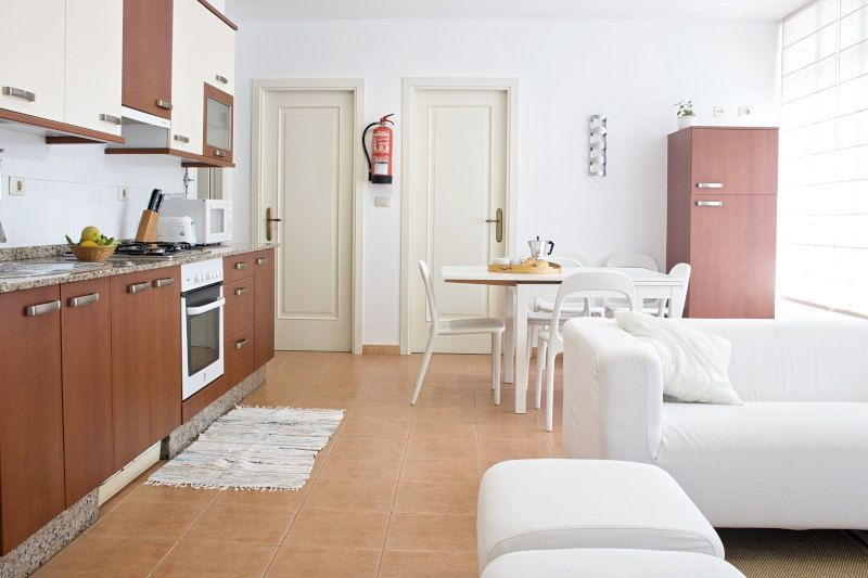 casa-rural-en-ribeira-salon-cocina-vikanso